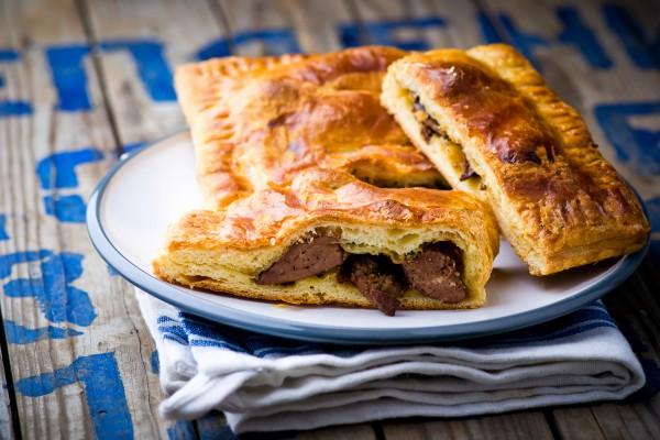 Слоеный пирог с печенью рецепт с фото