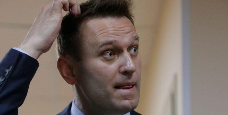«Бутерброд» Алексея Навального: оппозиционер запутался в статусе Крыма