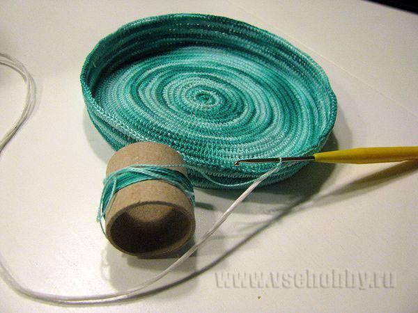 переходим от вязания дна корзинки к бокам: перестаём делать прибавки