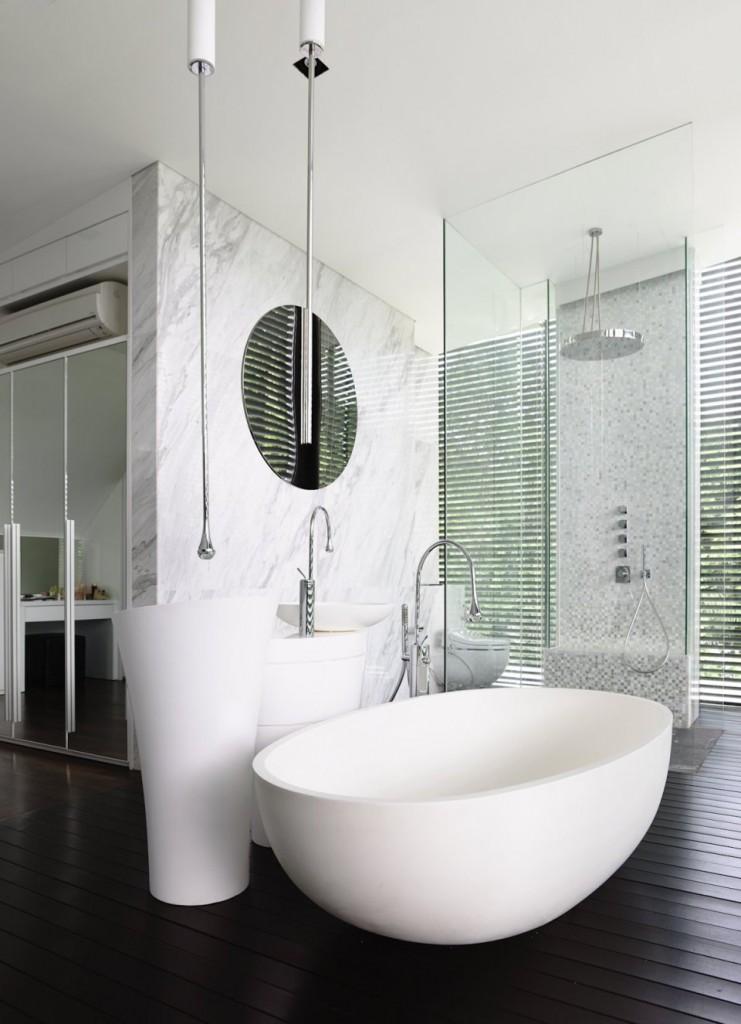 terraoko 2014 121203 17 741x1024 Современная вилла в элегантном белом оформлении декоративной штукатуркой.