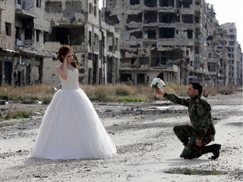 Сирийская свадьба: сегодняшняя фотоссесия на руинах Хомса