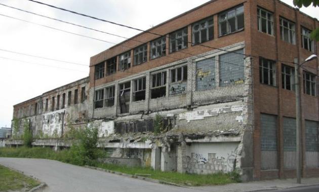 Заброшенные корпуса завода ВЭФ в Риге. Иллюстрация: worldcrisis.ru
