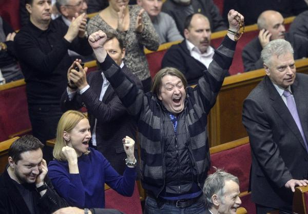 Янукович 2.0: стоило ли спасать экс-лидера Украины?