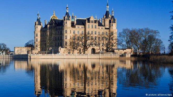 Богата Германия замками разных эпох