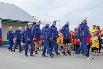 Томинский ГОК подарил форму спортсменам