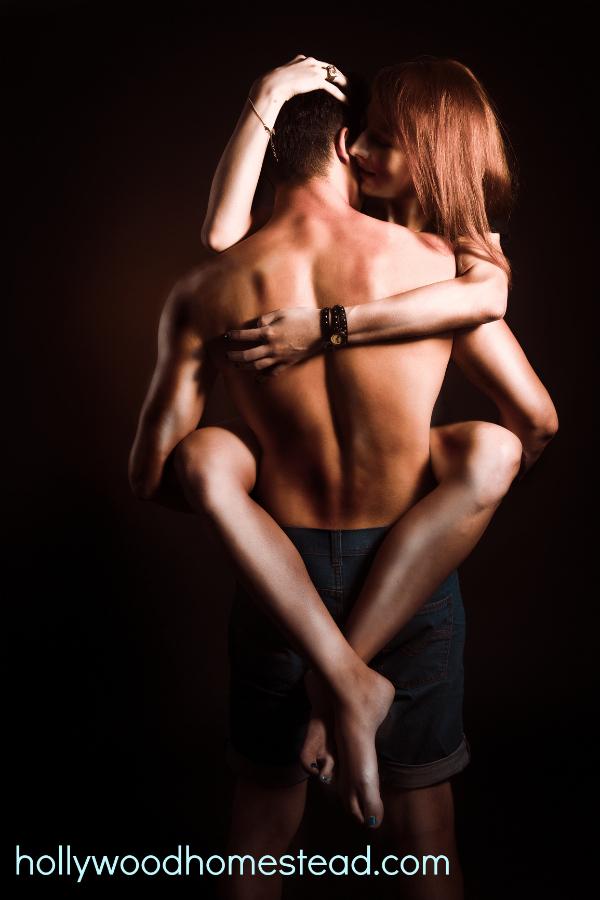 Секс должен быть только по любви?