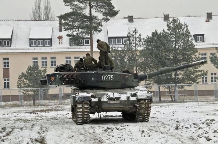 Польша перебрасывает танки Leopard 2A5 на Восток