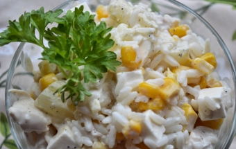 Салат с рисом и ананасами