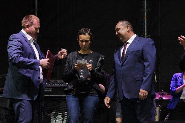 В День Луганска Плотницкий наградил Чичерину и Самойлова орденами за заслуги перед ЛНР