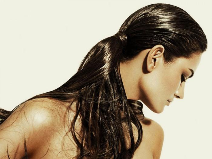 Гладкая кожа и густые волосы…