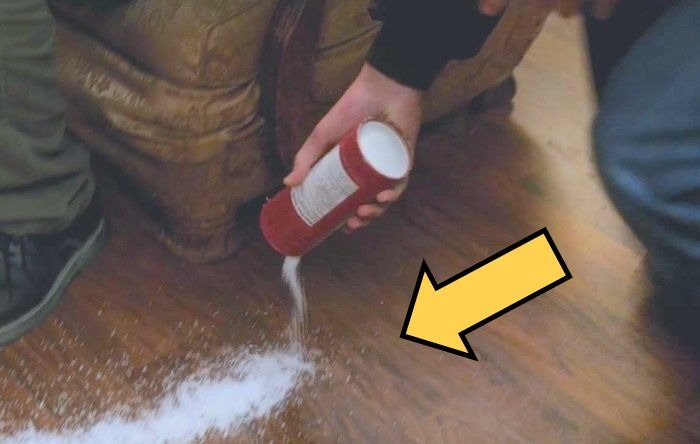 Зачем некоторые люди рассыпают соль на пороге?