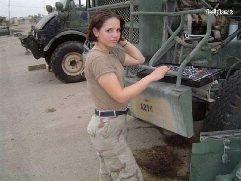 Девушки на службе в армии фото 36