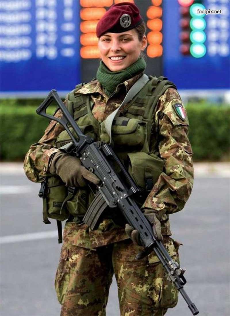 Девушки на службе в армии фото 1