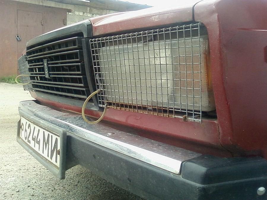 Защита на фары. Могла быть и из оргстекла. 90-е, Автоаксессуары, авто, ссср, тюнинг