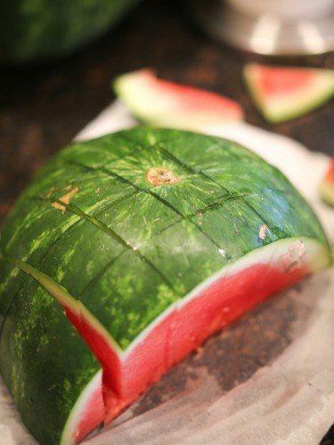 Гениальный способ нарезать арбуз!