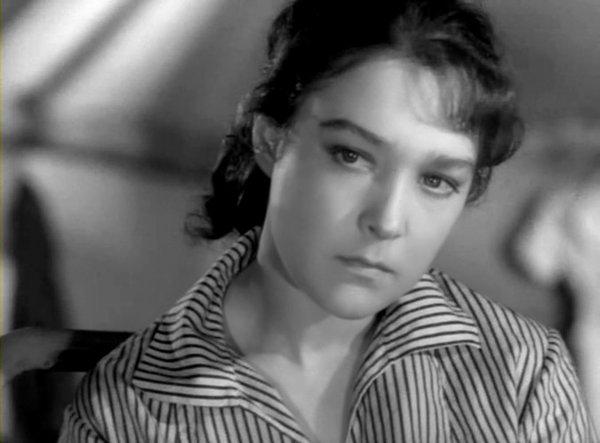Александра Завьялова в молодости (фото с сайта livestory.com.ua)