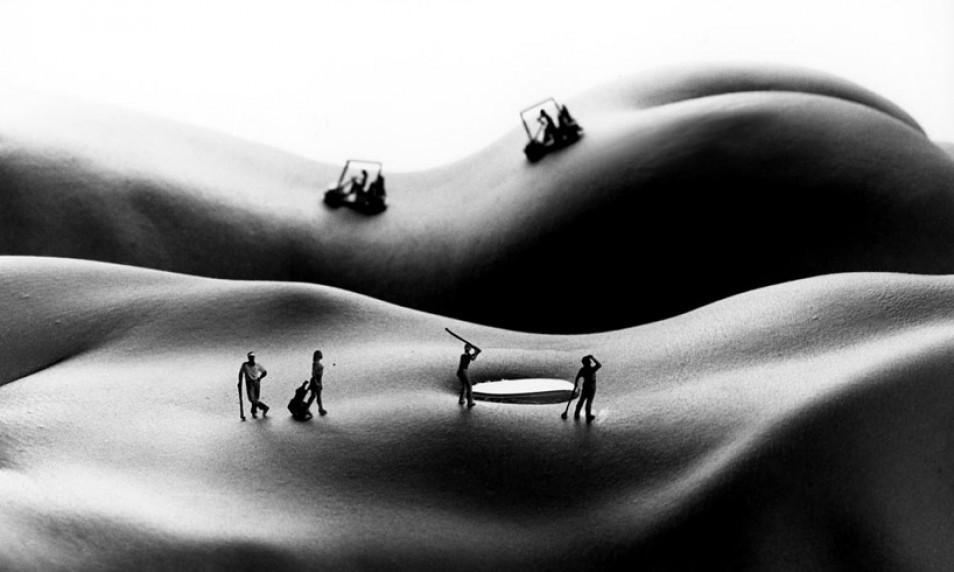 Картину можно рассматривать как пейзаж или как тело...