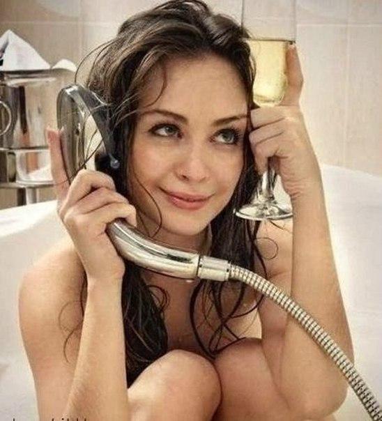 Жена возвращается после корпоратива... Улыбнемся))