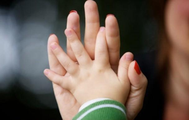"""""""Пап нет в песочницах, поликлиниках и на выпускных"""": почему отцы вычеркивают детей из жизни? Мнение"""