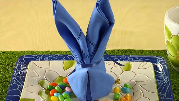 Заяц из салфеток