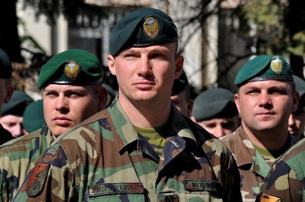 Сириец объяснил французу почему ССО РФ не отпустили британский спецназ