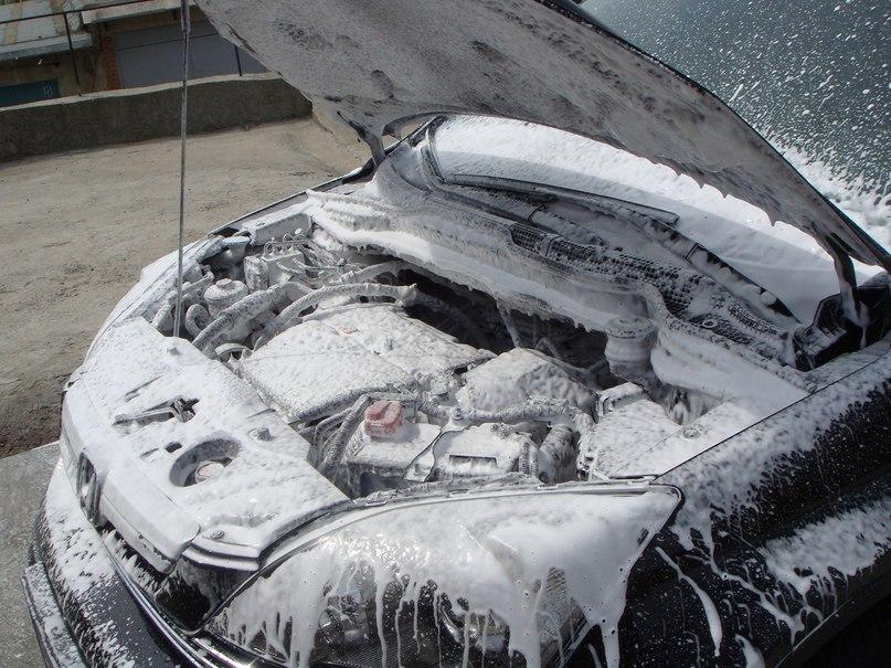 Мыть ли двигатель?