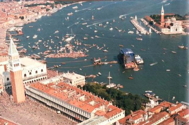 «Вы превратили Венецию в туалет!»: исторический концерт Pink Floyd на площади Сан-Марко