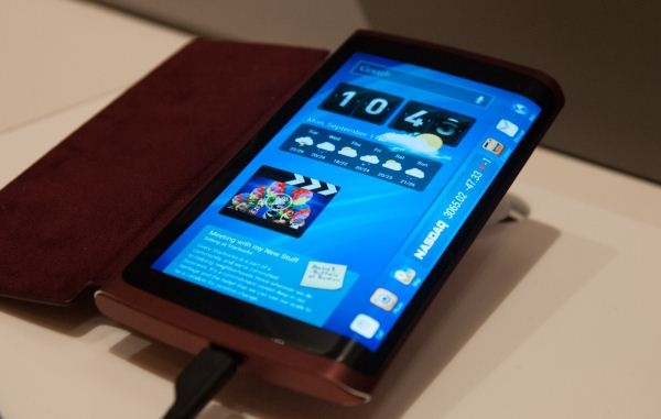 В Samsung начато пробное производство «трёхсторонних» AMOLED-дисплеев