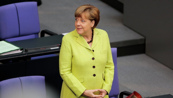 Канцлер Германии Ангела Меркель перед выступлением в Бундестаге