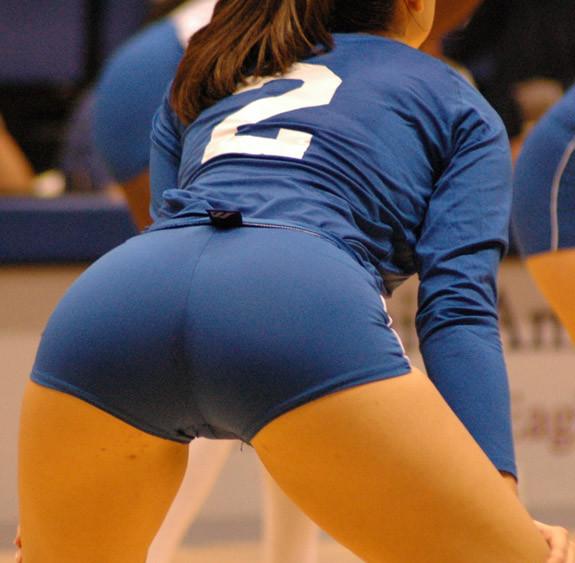 Попка волейбол