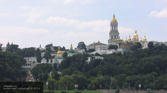 Автокефалия УПЦ столкнет лбами украинцев: Тарута сообщил о новом конфликте на Украине