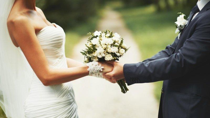 История о том, как мамина подруга вышла замуж за бомжа и живёт счастливо