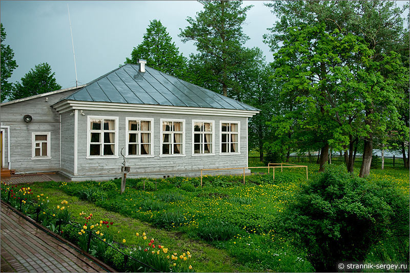 земская школа в усадьбе Тараканово