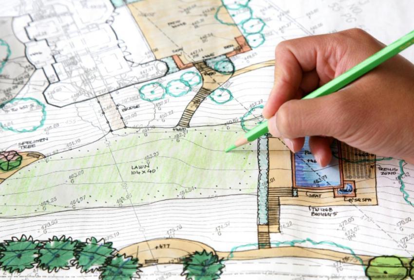 Перед началом ландшафтных работ необходимо составить подробный план на бумаге