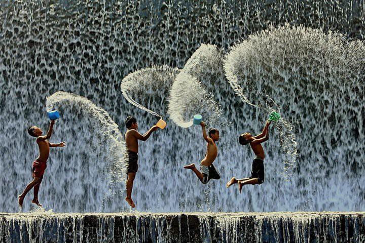 Фотографии счастливых людей разных стран...