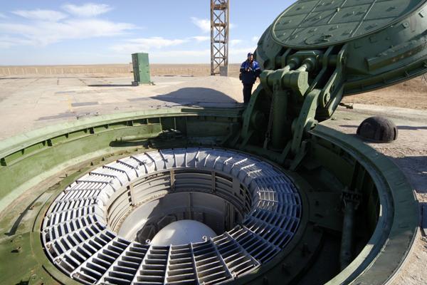Головная часть межконтинентальной баллистической ракеты РС-18 «Стилет», космодром Байконур, Казахстан, 29 октября 2007 год. Фото: Сергей Казак / ИТАР-ТАСС