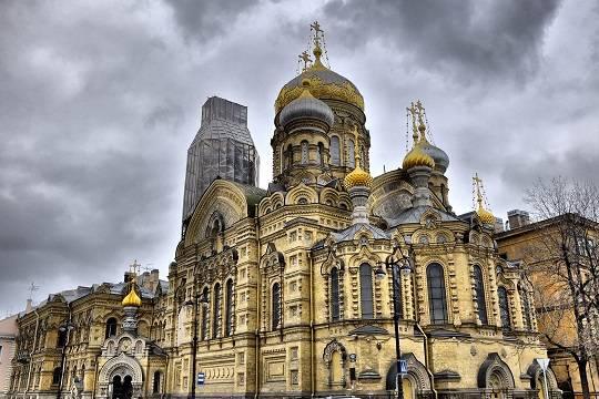 Кровавый Покров: Украинские нацисты готовят захват православной святыни