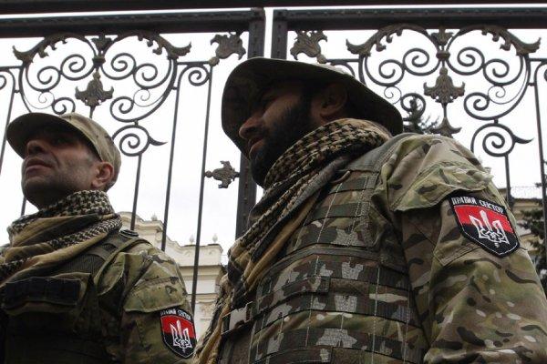"""Боевики """"Правого сектора"""" дали Порошенко 72 часа"""