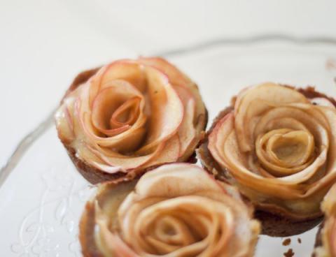 Пусть на зимнем столе расцветают розы!!!