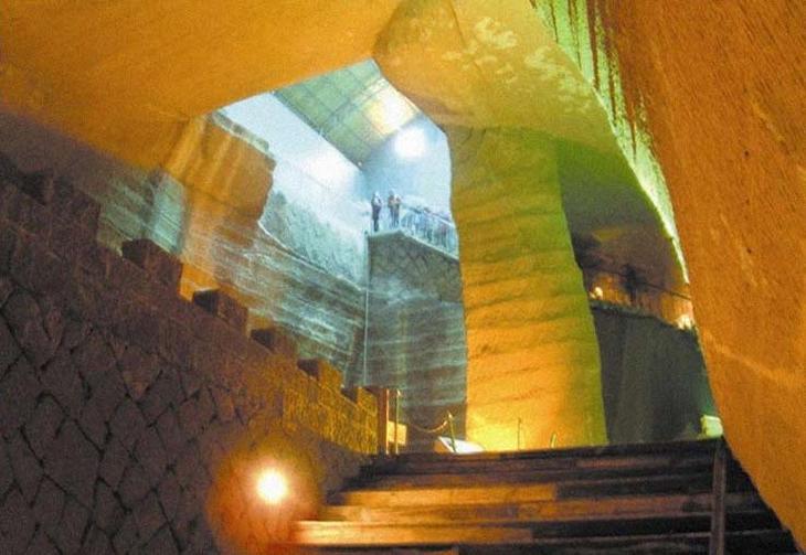 Загадки пещеры Лонгью