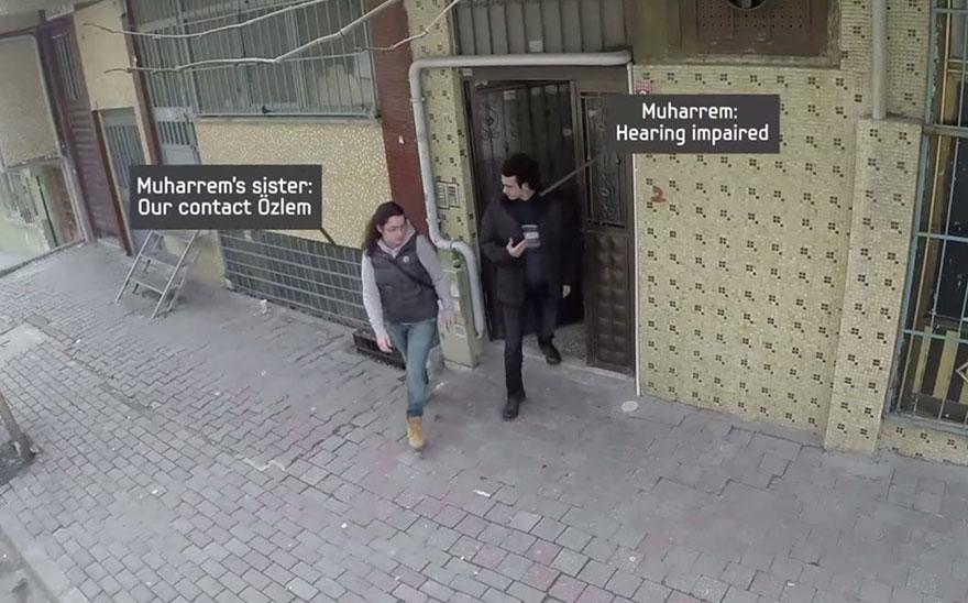 town-learns-sign-language-deaf-muharrem-samsung-video-call-center-9