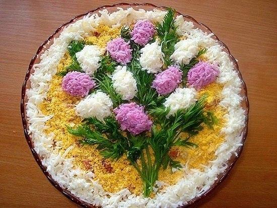 Праздничное украшение салатов к 8 марта!