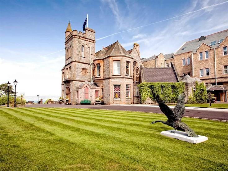 Дворцы отдыха: 8 королевских резиденций, которые стали отелями