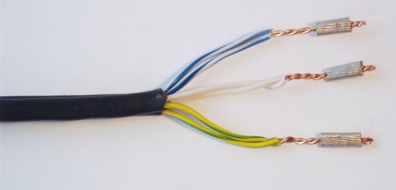 Соединение проводов 220, клеммы, колодка, провода, электрик