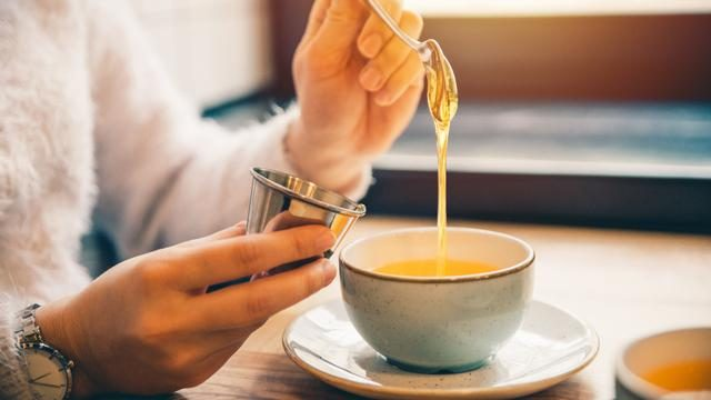 Ложка меда перед сном — лучшее лекарство от многих болезней
