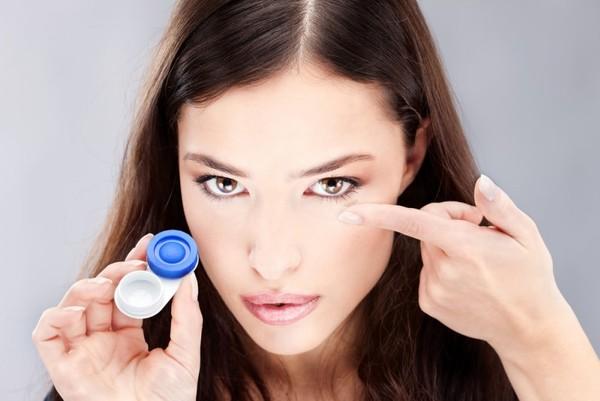 Коррекция зрения контактными линзами