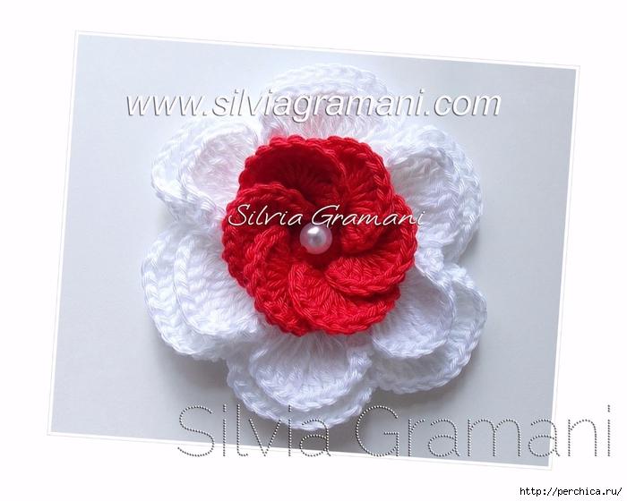 Silvia Gramani flor de croche vermelha e branca (700x560, 201Kb)