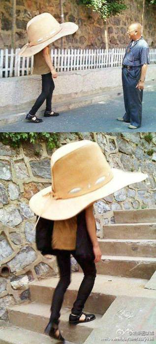 Шляпа, которая без сомнений защитит от солнца того, кто ее надевает себе на голову.