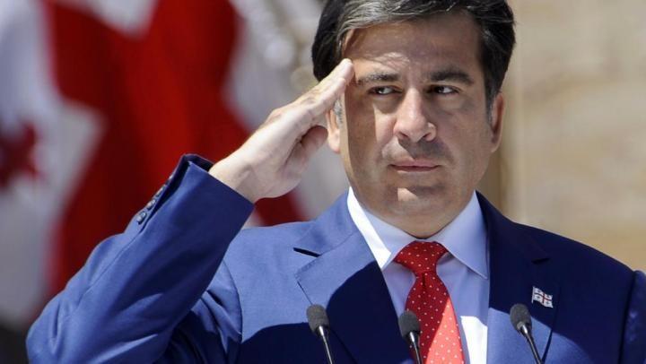 Саакашвили очень хочет в Грузию, но Владимир Путин не пускает