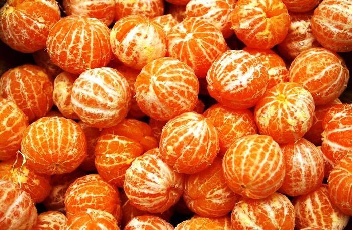 В магазине парню продали подгнившие мандарины. То, как он решил проблему, — просто шикарно!